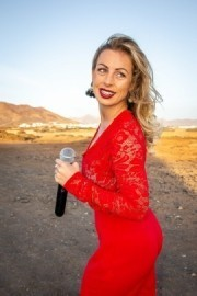 Alice Manville - Female Singer - Hampshire, South East