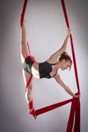 Amy Olson - Aerialist / Acrobat - San Francisco, California