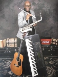 Singer/Pianist/Keyboardist/Guitarist/    Flute Player/Multi-Instrumentalist/Vocalist/Host/MC/DJ - One Man Band - Houston, Texas