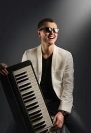 Roman (Jazz&lounge pianis - Pianist / Keyboardist - Ukraine