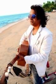 Solo Singer /Instrumentalist  - VOCALS  HARMONICA & ACOUSTIC GUITAR - Guitar Singer - MUMBAI, India