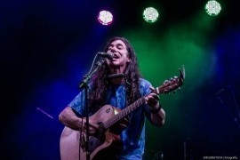 Eli MacFerry - Acoustic Guitarist / Vocalist - São Paulo, Brazil