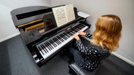 Keziah Young - Pianist / Keyboardist - Aveton Gifford, South West