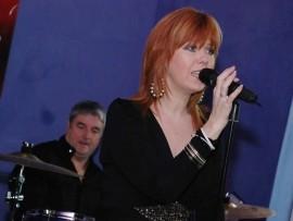 Maz Langsford - Female Singer - Surrey, South East
