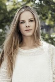 Anna-Sophia Kellett - Female Dancer - London