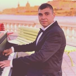 Petar Konstantinov - Pianist / Keyboardist - Malta