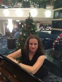 Viktoria - Pianist / Keyboardist -