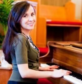 Jennifer Iovanne - Pianist / Singer - Seattle, Washington