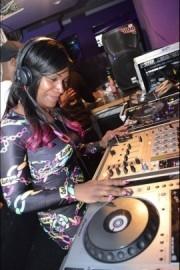 DJ Diva Dee - Nightclub DJ - London, London