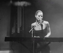 Jess King - Pianist / Singer - Paris, France