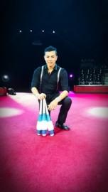 Mexican juggler Kenyi David image