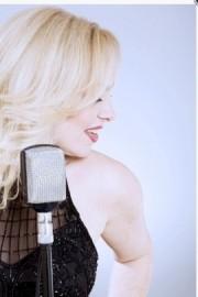 Vivienne Carlyle - Female Singer - Glasgow, Scotland