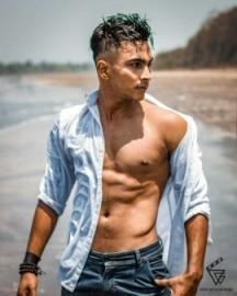 DEEPAK CHAUHAN - Male Dancer -