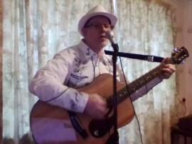 solo guitar play singer - Acoustic Guitarist / Vocalist - gerardlindsay, East of England