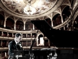 Kyle Reinke - Virtuoso Pianist - Pianist / Keyboardist - Eau Claire, Wisconsin