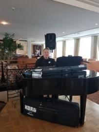 pianist vocalist keyboardist(one man band) - Duo - Brasov-Roumania, Romania