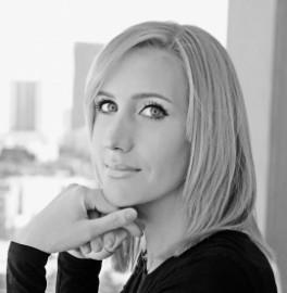 DANA MACLEOD - Pianist / Singer - Canada, British Columbia