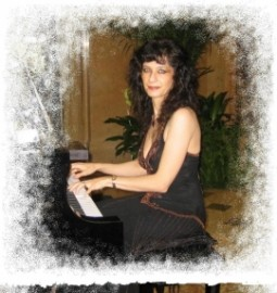 Claudia Sanchez - Pianist / Keyboardist - Pittsburgh, Pennsylvania
