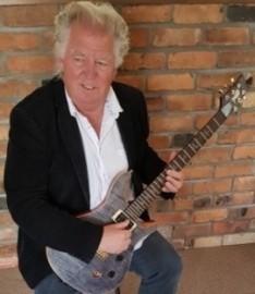 CAPTAIN FINGERS - Electric Guitarist -