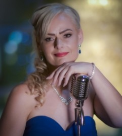 Leonora Jane - Female Singer - Cairns, Queensland