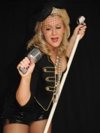 Miss Cindy Hoten - Female Singer - Ambleside, North of England