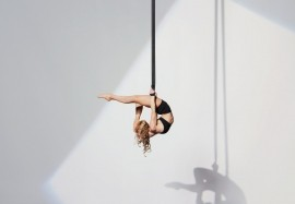 Eloise Currie - Aerialist / Acrobat - London, London