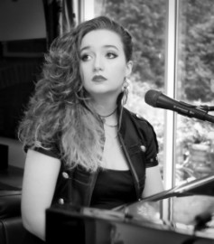 Charlotte Rose - Pianist / Singer - Edinburgh, Scotland