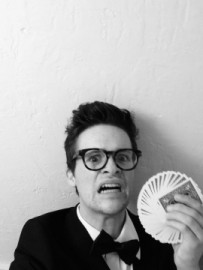 Ronzinni the Mediocre at best - Comedy Cabaret Magician - Chicago, Illinois