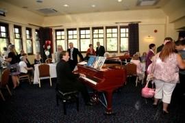 Pianoman Toby image