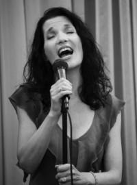 Julie-Anne Shapiro - Female Singer - USA, California