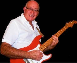 Chris James - Guitar Singer - Almeria, Spain