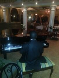 wesley bett - Pianist / Keyboardist -