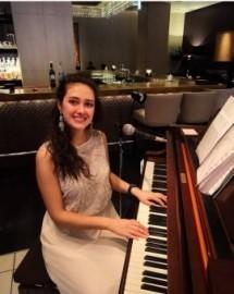 Adeliya Piano&Voice - Pianist / Singer -