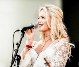 Laura Evans  - Female Singer - Merton Park, London