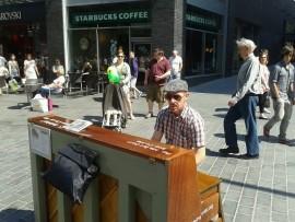 JOHNY WISHART - Pianist / Singer - North of England