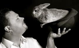 David Hitchcott - Close-up Magician - Wales