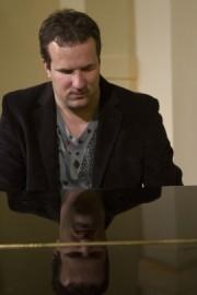Jan          - Pianist / Singer - Prague, Czech Republic
