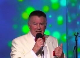 BILL BENNETT CROONS! - Dean Martin Tribute Act - Neath, Wales