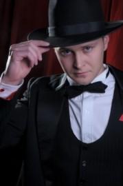 Bob Gvozdetskyi - Acrobalance / Adagio / Hand to Hand Act - Ukraine, Ukraine