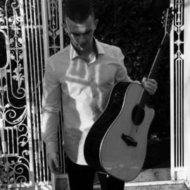 Daniel McCabe - Guitar Singer - Leinster