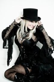 Kacey Wild - Female Singer - Canary Wharf, London