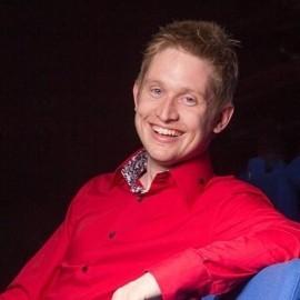 Tom Elliott - Comedy Cabaret Magician - Gloucestershire, South West
