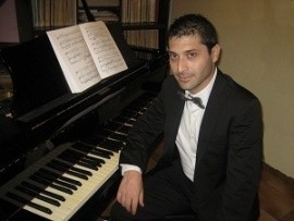Piano Player - Pianist / Keyboardist - Italy
