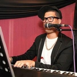ChriZio - Pianist / Singer - Western Cape
