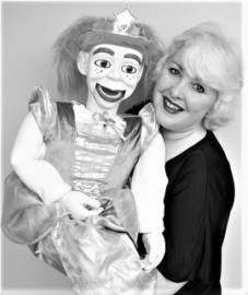 Miss Merlynda - Ventriloquist - Puppeteer - Mix and Mingle & Street Ventriloquist - Marionette Acts - Punch and Judy Puppet Shows - Puppeteer - Bideford, South West