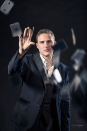 Iain Bailey - Pickpocket - Close-up Magician - Berkshire, South East