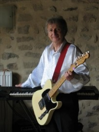 Lee Roberts - Pianist / Keyboardist - Limoges, France