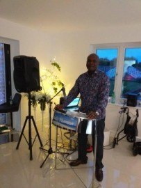 Melodic panman steel drum player  - One Man Band - Alston Sutton, South West