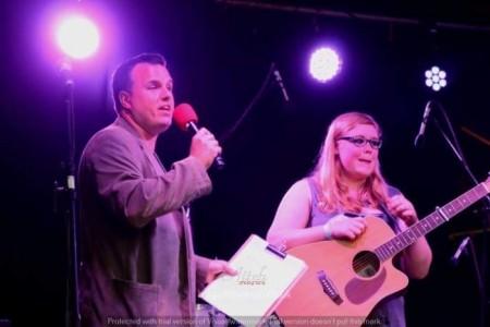 Gary tustin  - Comedy Singer
