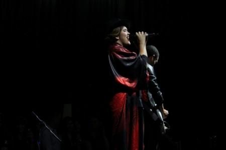 Ivanna Mía - Female Singer